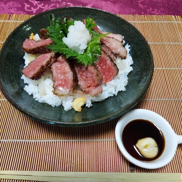父の日のお祝いに!近江牛のステーキ丼